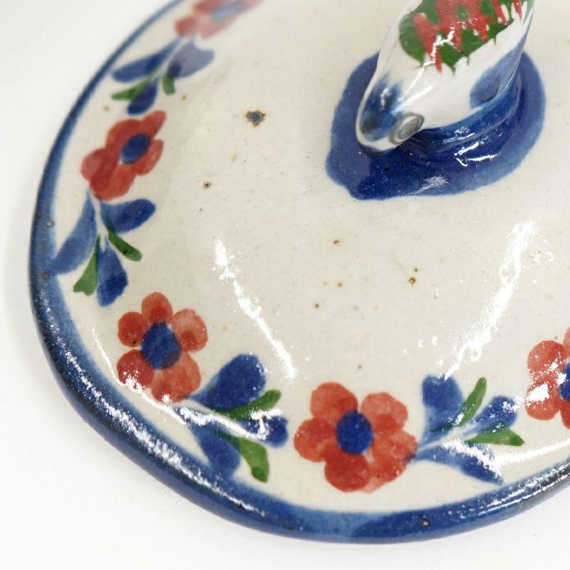 ネイビー:陶器表面に鉄粉が見られます